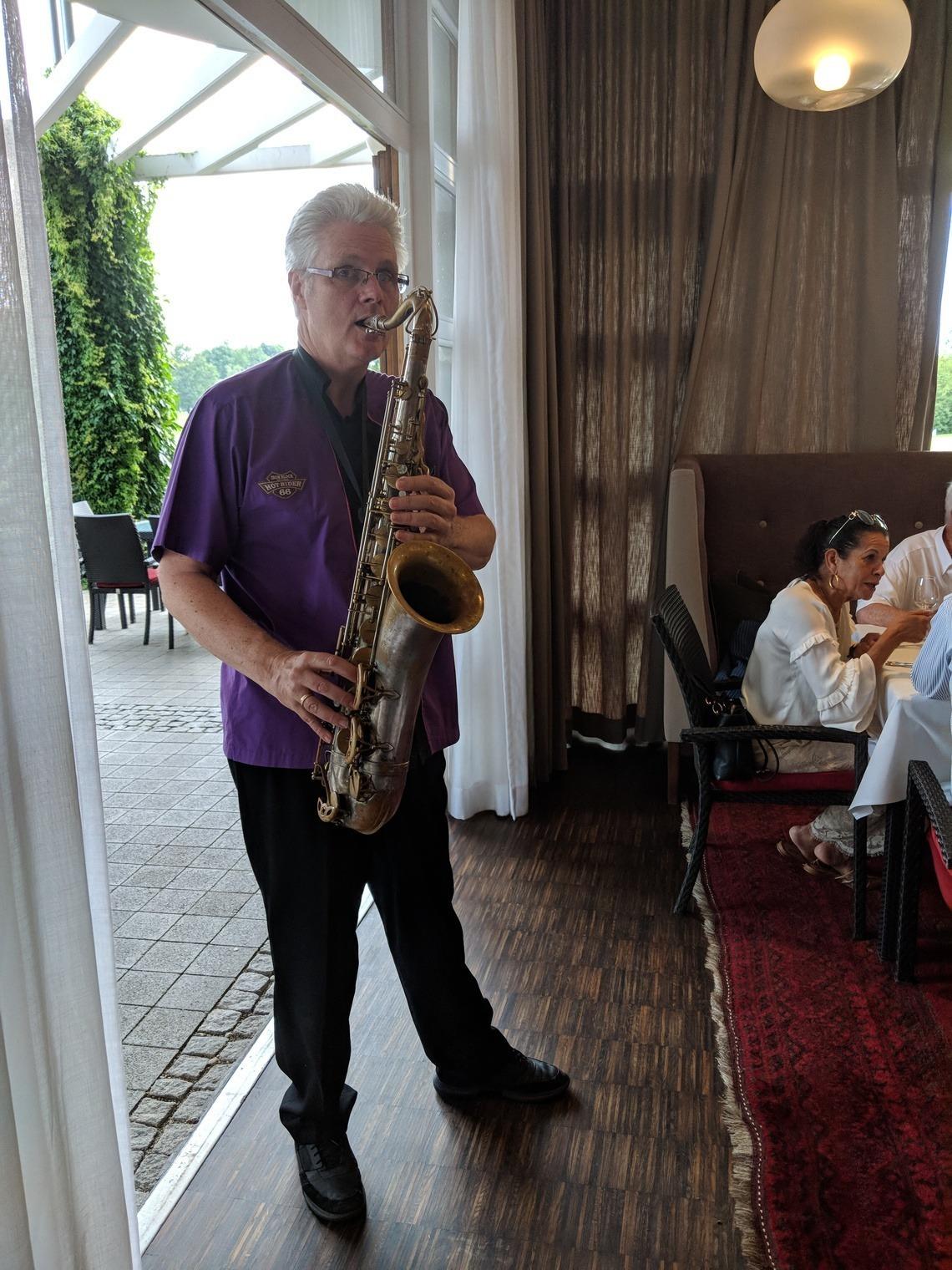 Saxophonist Chris erwies sich später auch als guter Versteigerer.