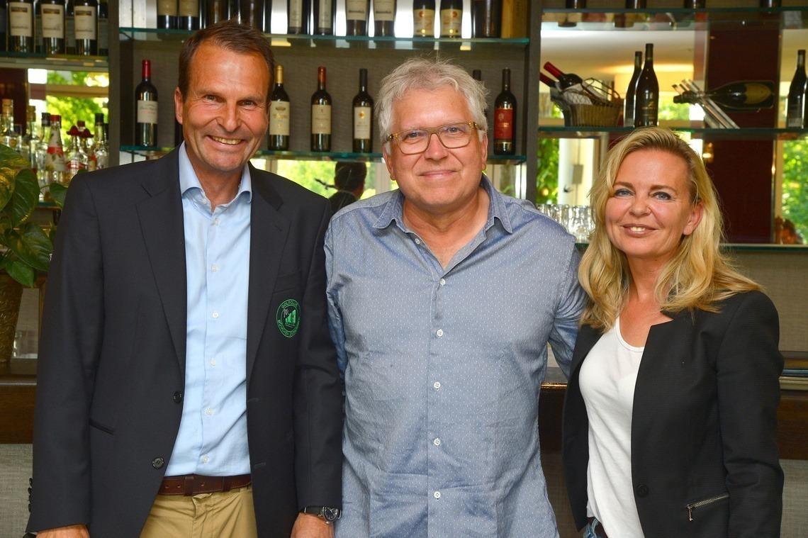 Vatertags-Olympiasieger Dr. Bernd Markert, Mitte, mit Wolfgang Michel und Claudia Lammel