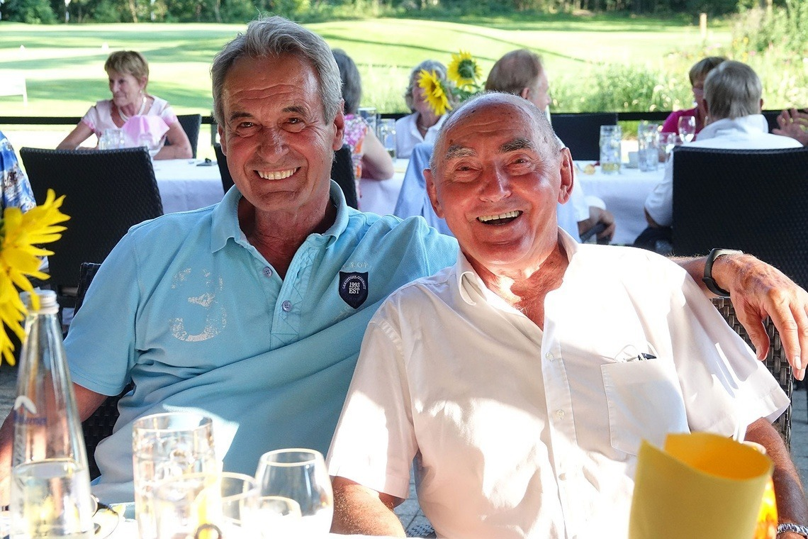 Netto-Sieger über 75 Günter Erber, rechts, und Norbert Stock, auch als Marshal in Eichenried aktiv