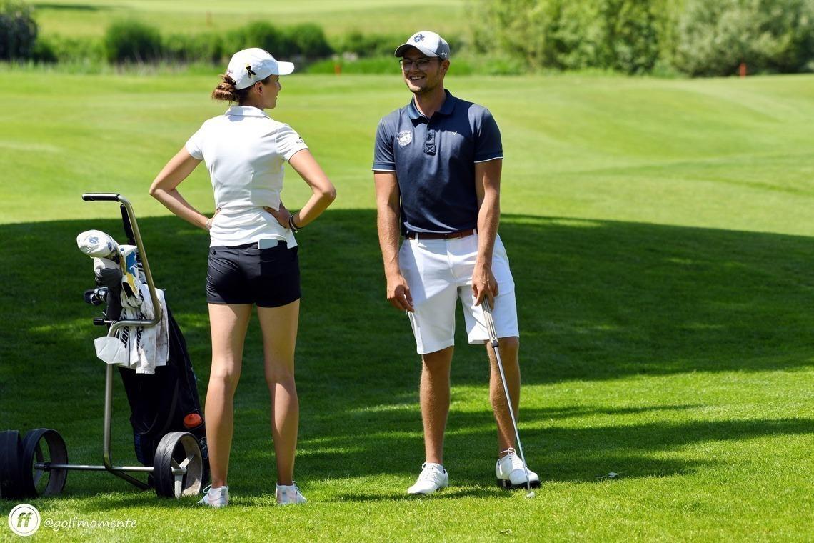 Vertraten erfolgreich den Golfclub München Eichenried bei der BM im GC Olching: Nathalie Irlbacher und Florian Moosmeier. Foto: Frank Föhlinger