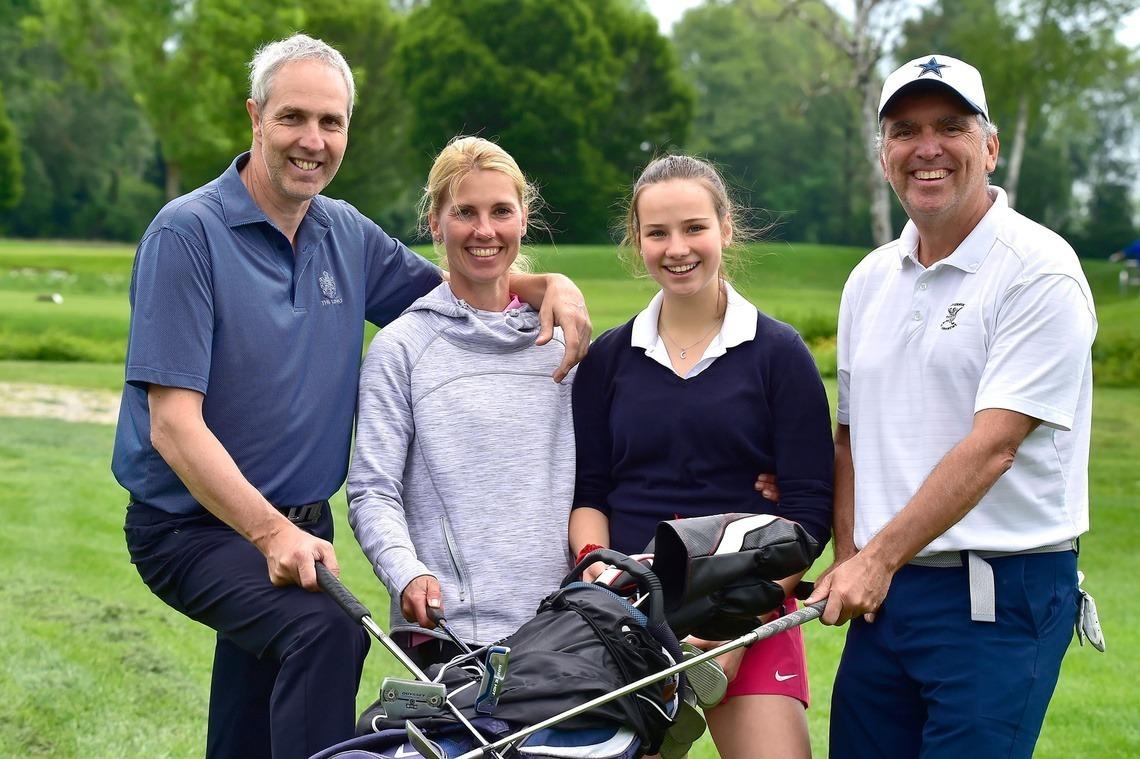 Lustiger Flight: Horst und Karin Irlbacher, Laura Gullotta-Cano und Dr. Christian Lammel