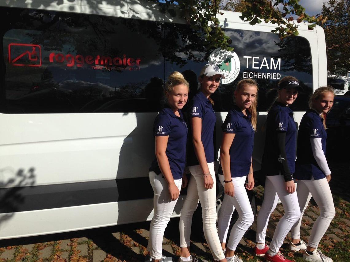 Nicht zufrieden mit sich waren die Eichenrieder AK 18-Mädchen: v. l. n. r. Lena-Marie Hemmers, Nathalie Irlbacher, Chiara Horder, Laura Gullotta (Caddy) und Clara Goetz.
