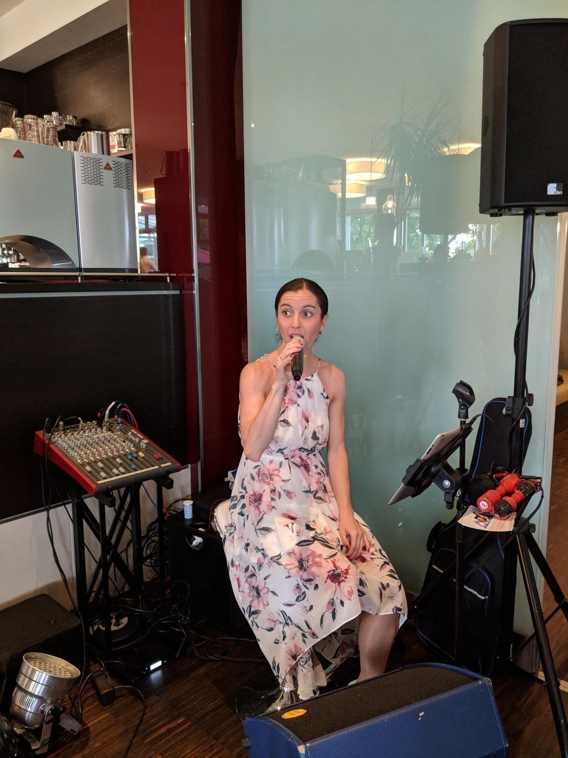 Sängerin Conny zauberte Lounge-Feeling nach Eichenried.