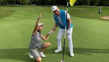Glücklich mit Golf und Musik!
