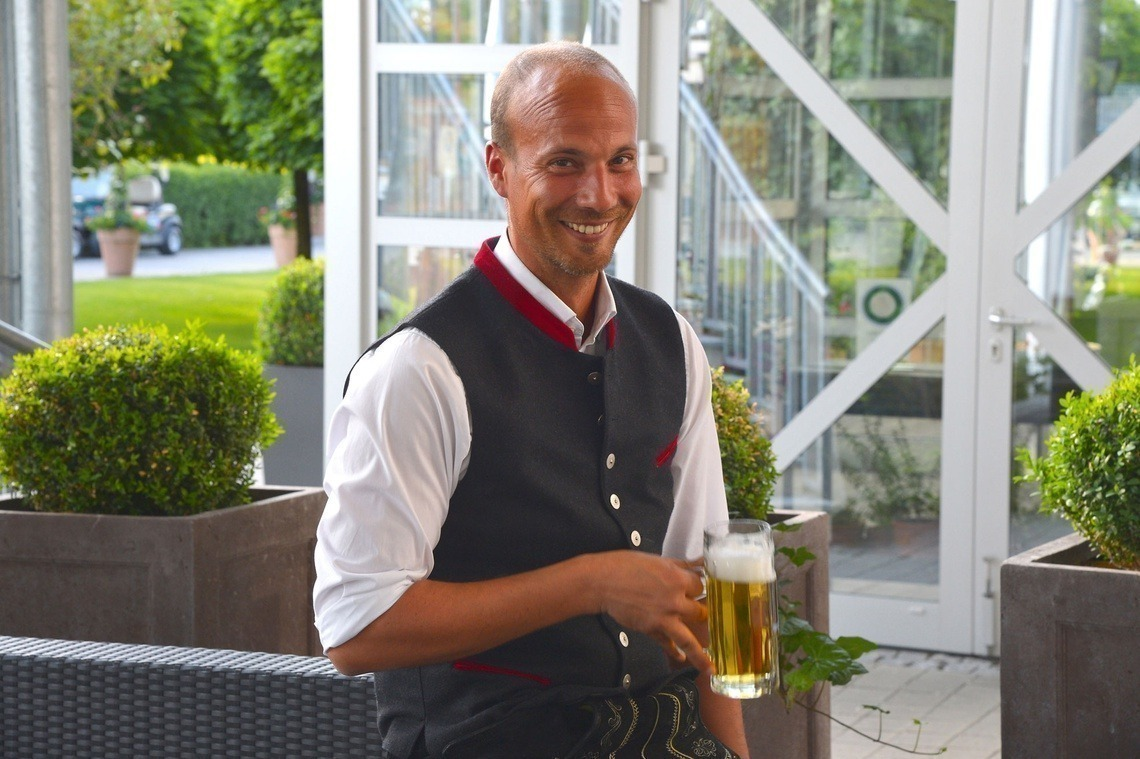 Pro Sebastian Buhl stilecht bayerisch