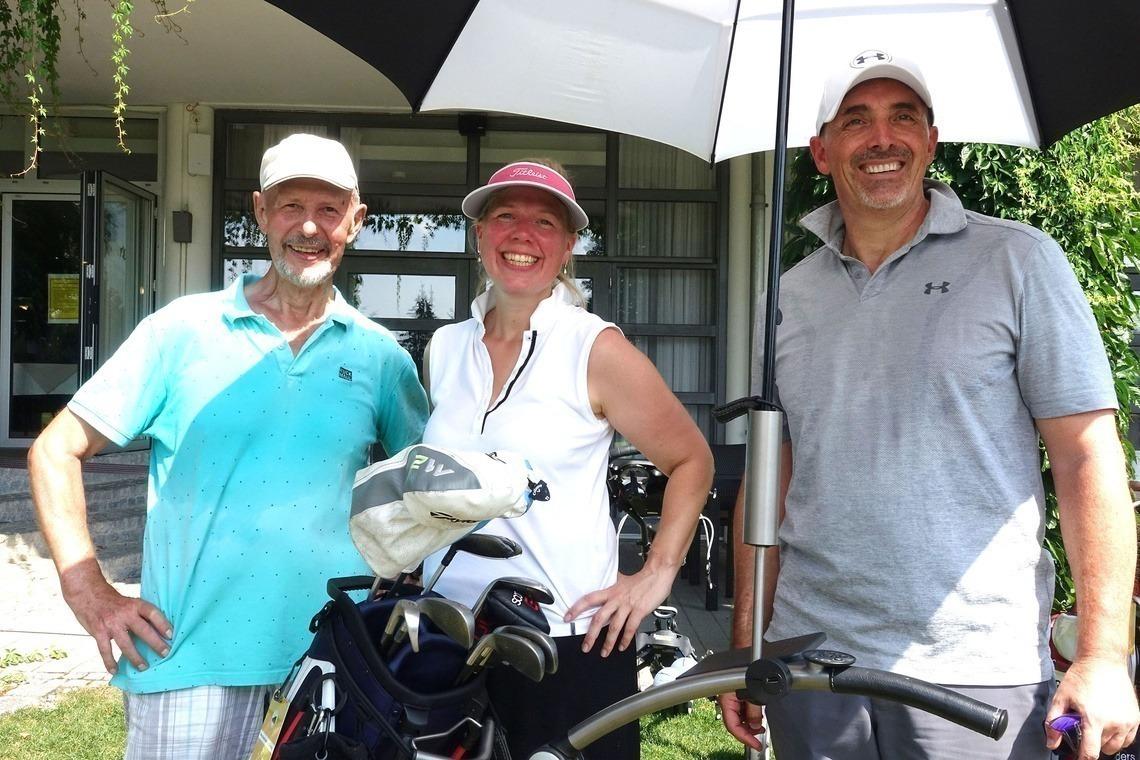 Netto E-Sieger Manfred Schnetzer, links, mit seinen Flightpartnern Kristina Kaiser und Christian Huber